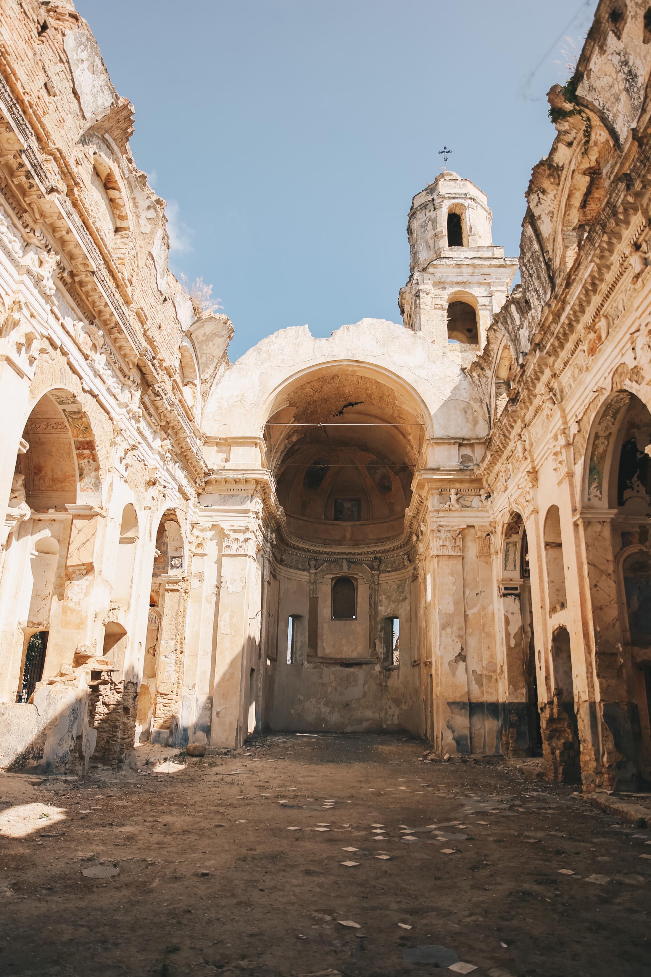 liguria-travel-guide-bussana-vecchia