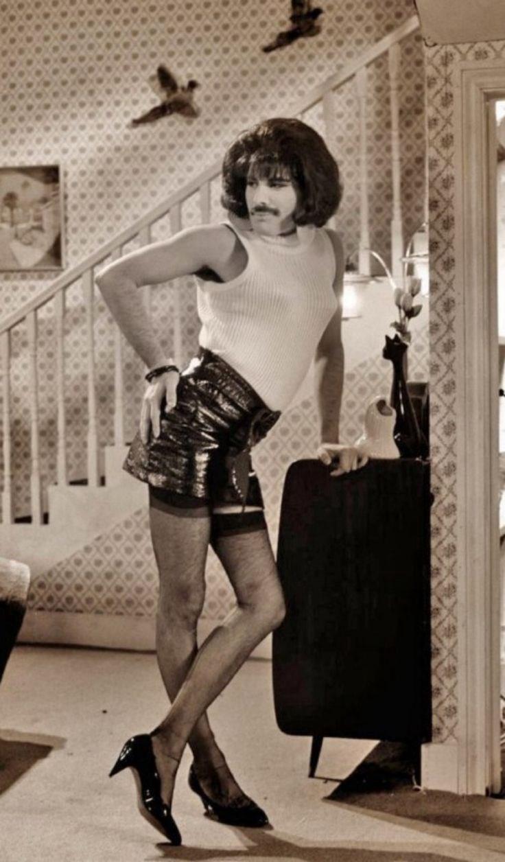sports shoes 38b10 8c890 Freddie Mercury vibes – ModelsJam